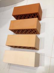 Кирпич керамический облицовочный и строительный полнотелый,  шамотный. - foto 0